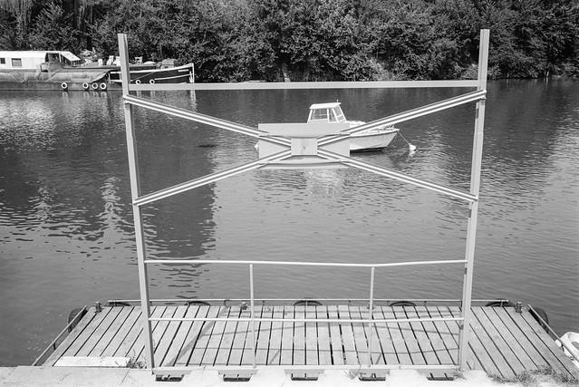 Boat, River Marne, Noisy-le-Grand, nr Paris, France, 1990, 90-8b-43