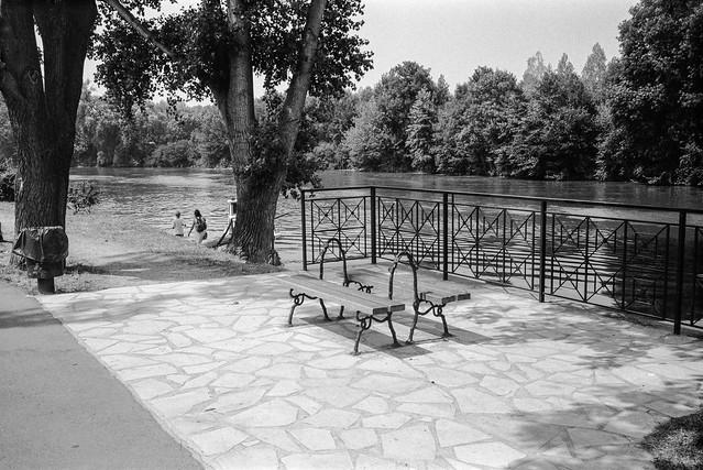 Seats, River Marne, Noisy-le-Grand, nr Paris, France, 1990, 90-8b-56