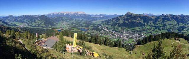 Panorama Kitzbühel, Wilder Kaiser and Kitzbüheler Horn from Hahnenkamm, Tirol, Österreich.