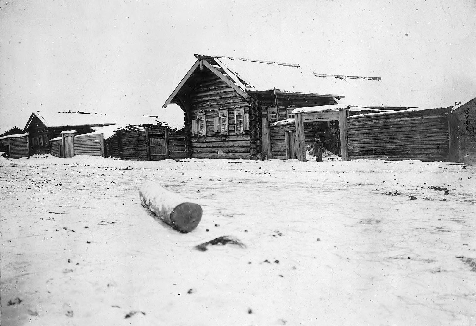 Усадьбы среднего достатка в селе Богучанском Енисейского уезда