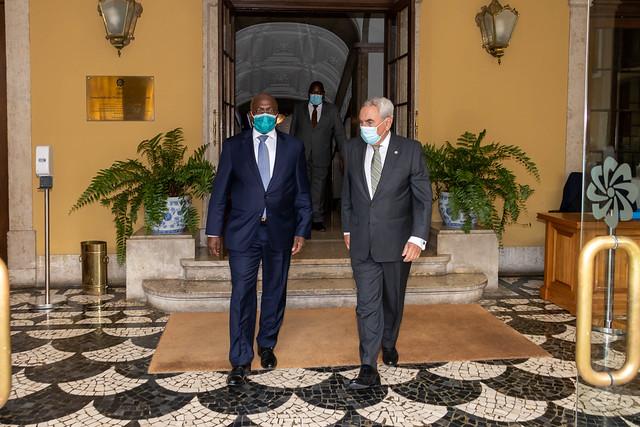 21.06. Ministro das Relações Exteriores da República de Angola reúne com Secretário Executivo da CPLP