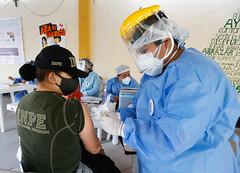 Minsa realiza vacunaciu00f3n contra la COVID-19 a personal del Instituto Nacional Penitenciario.