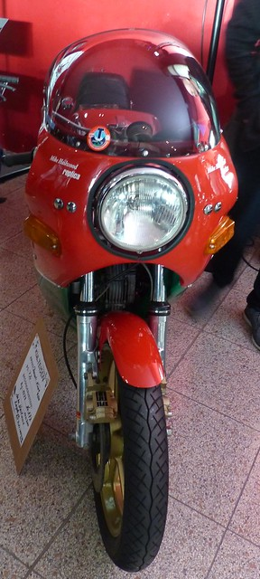 Ducati 900 1979 Mike Hailwood Replica v