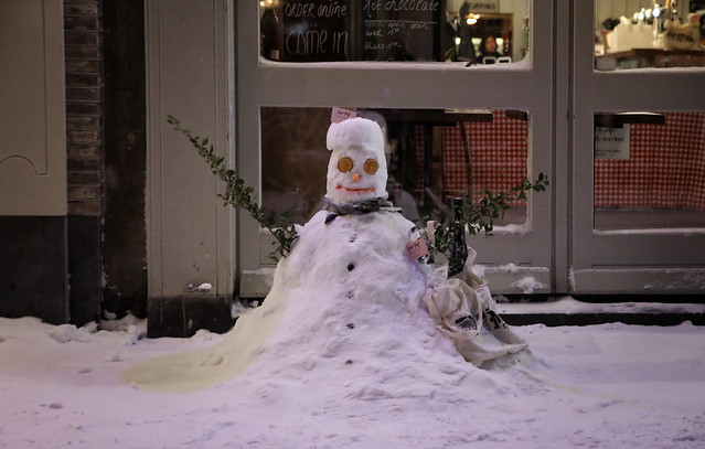 Frosty the Snowman keep your head cool
