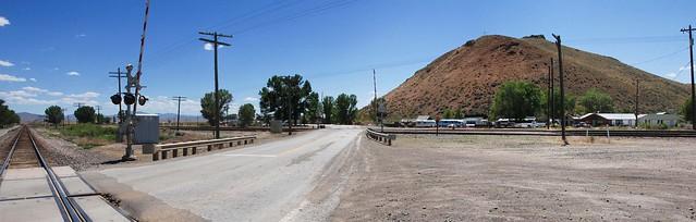 Two grade crossings!... 20110627