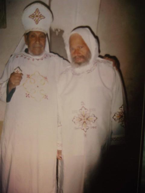 القمص زخارى مع الراهب القمص أرميا البراموسى