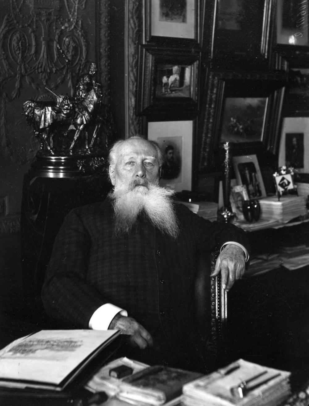 1908. Скульптор Александр Михайлович Опекушин
