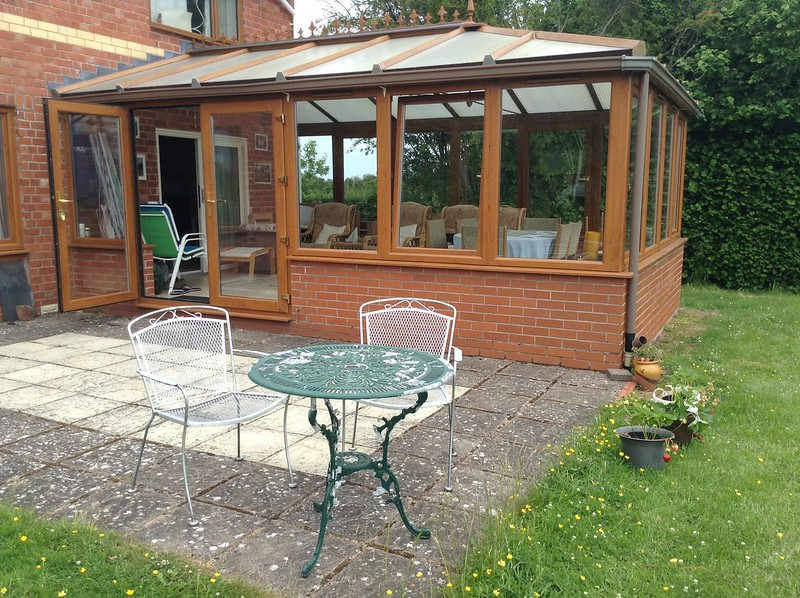 Look at those lovely clear conservatory windows!