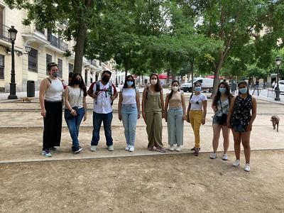 Visita guiada de becarias y becarios de Fundación Carolina al barrio madrileño de La Latina