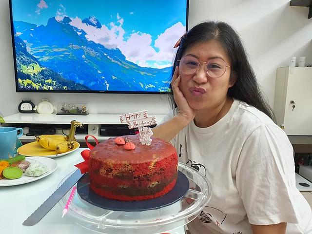 做蛋糕慶生 要開開心心度過每一天