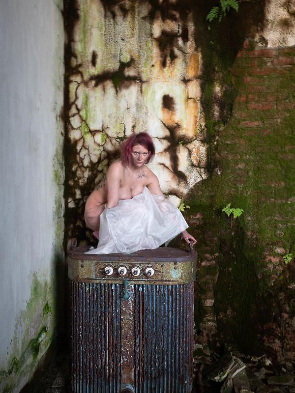 Nude in powerplant