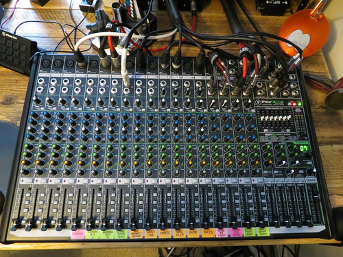 Mackie ProFX v2 22-channel mixer
