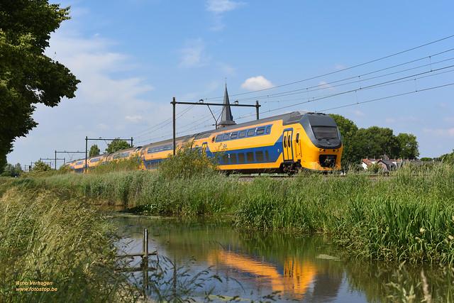 2021   NS VIRM 8642 te Schalkwijk