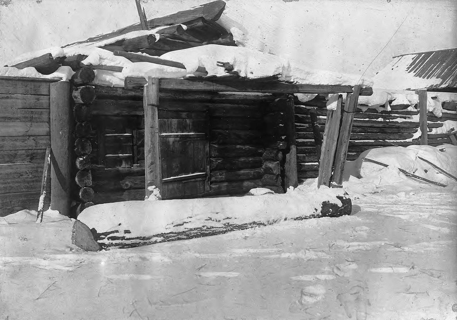 Старый кабак в селе Богучанском Енисейского уезда