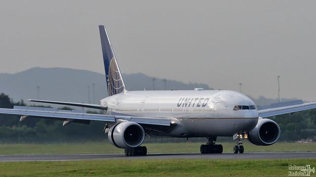 United 🇺🇸 Boeing 777-200 N776UA