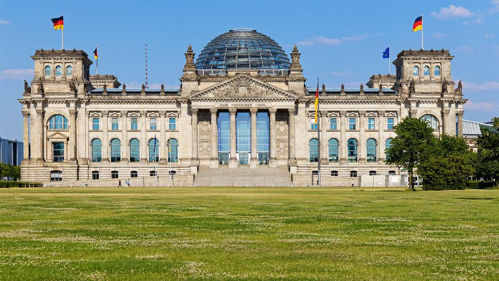 Platz der Republik und das Reichstagsgebäude