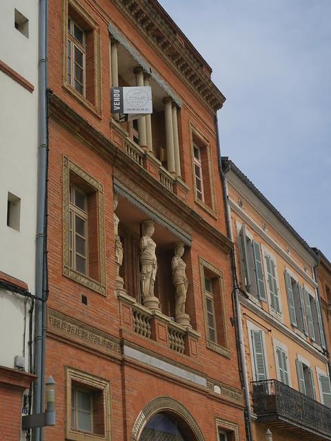 Ancien hôtel particulier - Place de la cathédrale, Montauban (82)