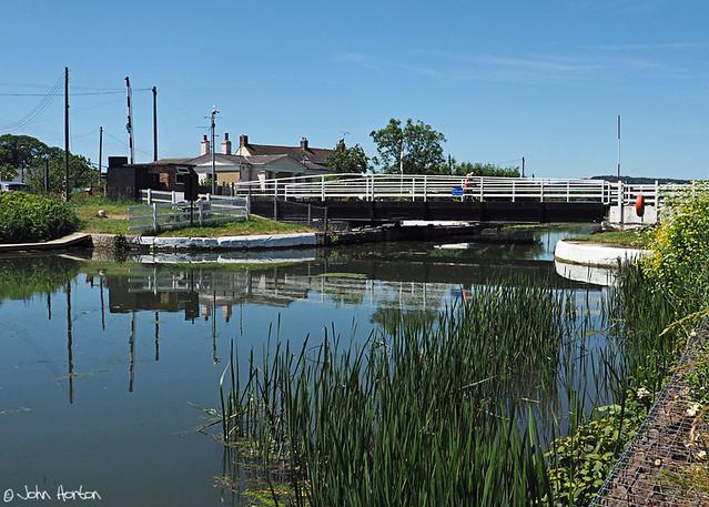 Gloucester & Sharpness Canal 01