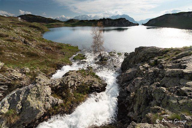 Lac suspendu