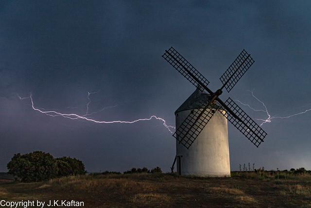 Hunting for Lightning, A la Caza de los Rayos