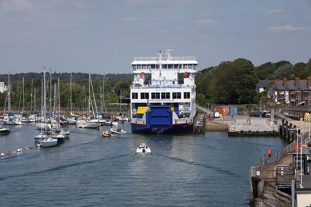 Isle of Wight Ferry Lymington