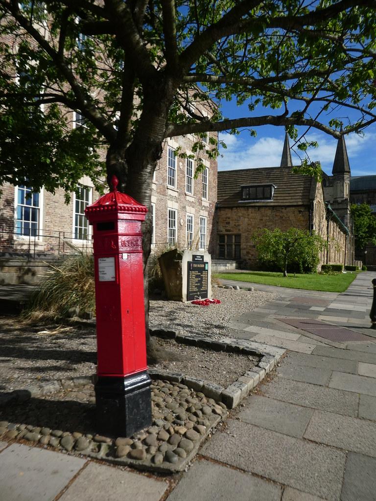 Penfold Post Box, Palace Green, Durham