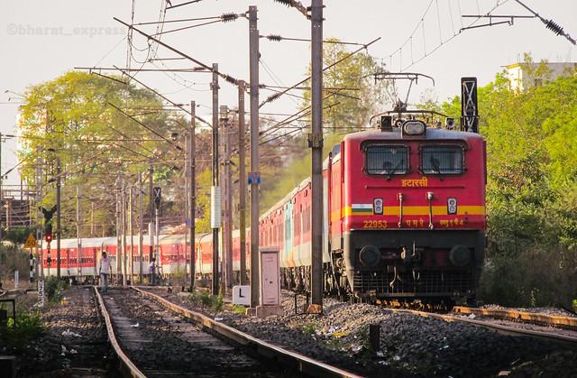 15016/Yesvantpur ⇌ Gorakhpur Express (via Gonda Jn.) ❤