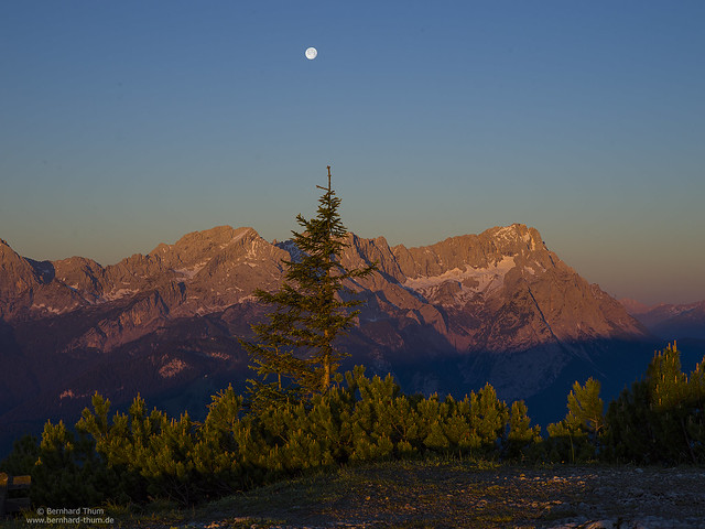 Sunrise at Alpsitze and Zugspitze with full moon