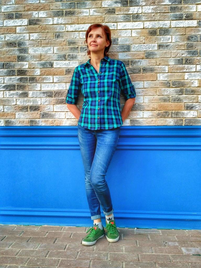 Mood color blue