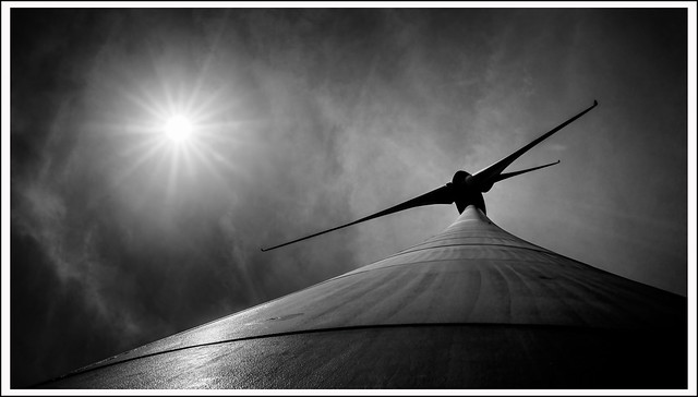 L1000568aSWR_Leica_Q2_062021_Mengerskirchen_Knoten_Windkraft