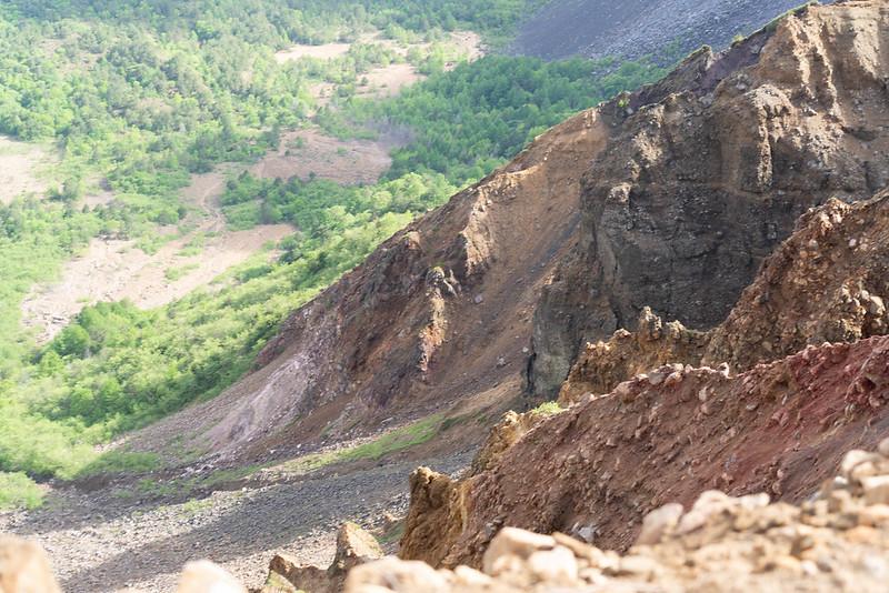 裏磐梯の絶壁