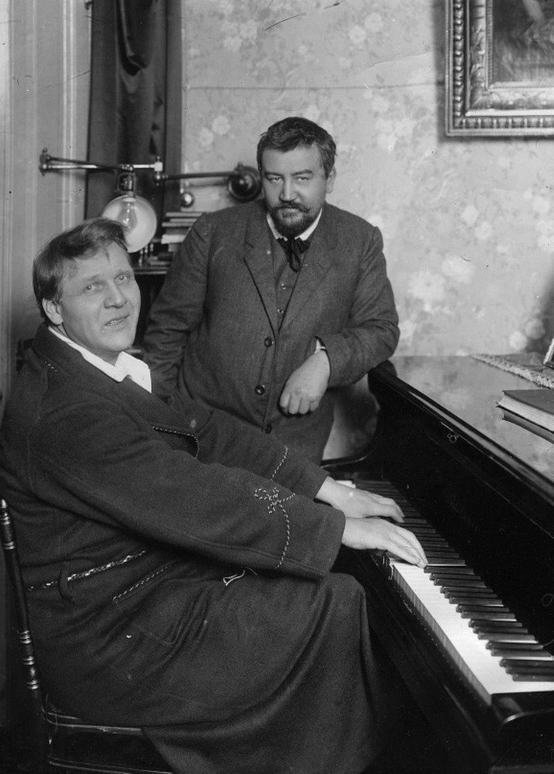 1911. Ф. И. Шаляпин и А. И. Куприн в доме певца