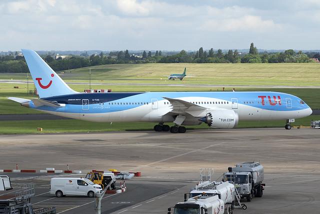 TUI 787-9 Dreamliner G-TUIO at Birmingham Airport BHX/EGBB