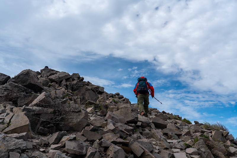 磐梯山の山頂へ