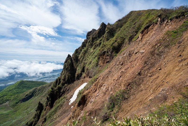 磐梯山の崖