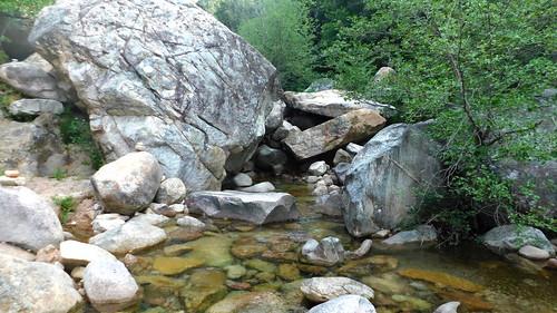 Chemin du Carciara aval (HR21) : traversée de la Figa Bona (photo Olivier Hespel)