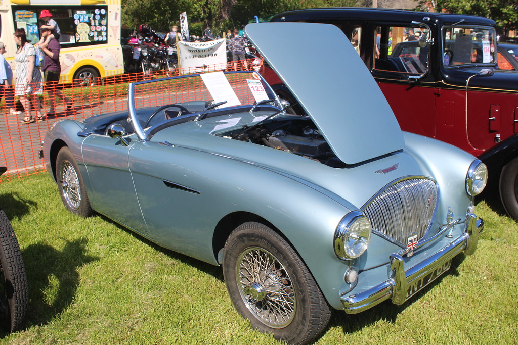 Austin 1955 Healey 100 RNY 780