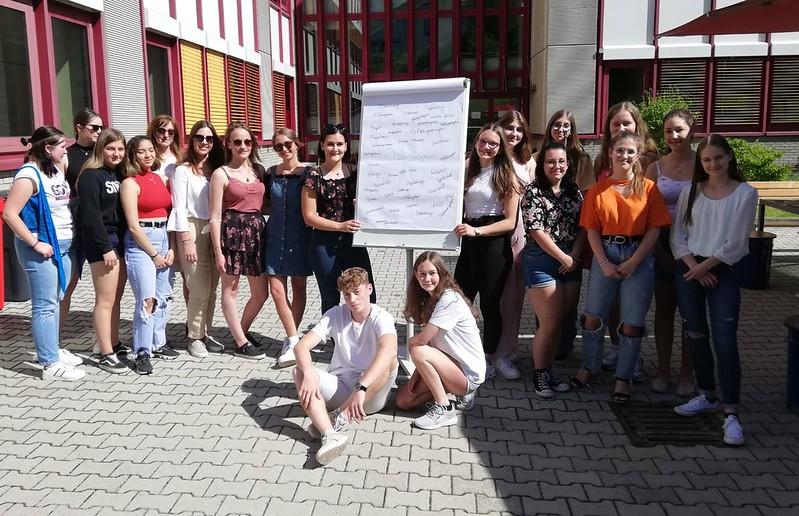 Gruppenfoto mit Studentinnen