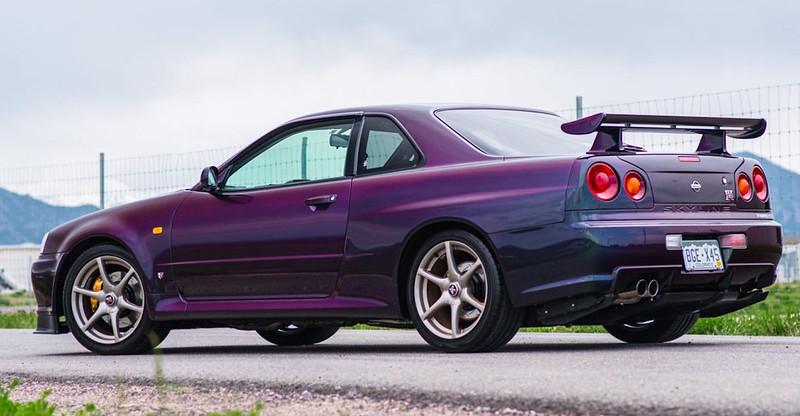 R34-Skyline-GT-R-13