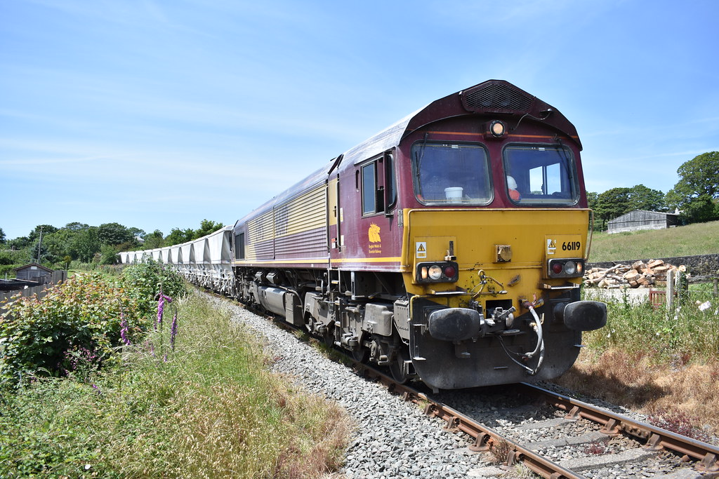 DB 66119 works 6P24 1525 Parkandillack to Fowey Dock Carne Point over Lanjeth LC - 18/06/21