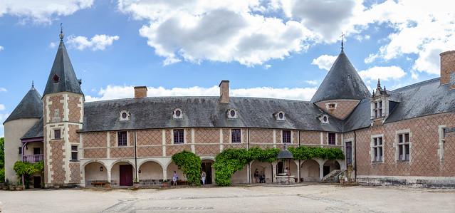 Panorama, cour du chateau de Chamerolles