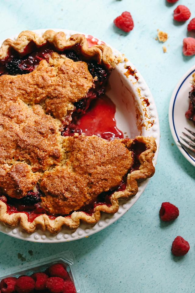 Deep Dish Mixed Berry Cobbler Pie