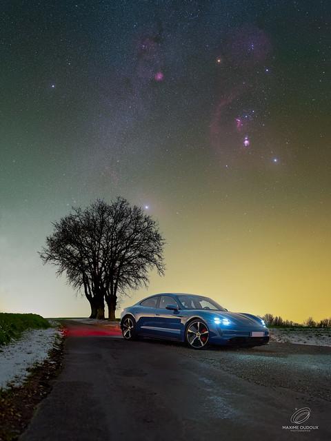 Une Porsche sous les étoiles
