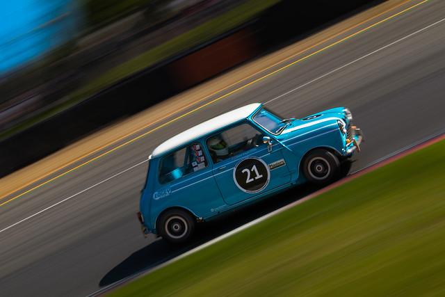 Morris Mini Cooper S - Brands Hatch