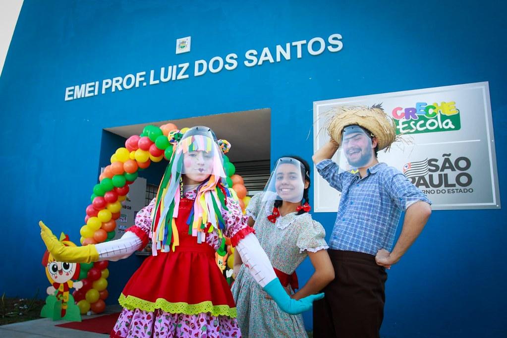 Inauguração de Creche + Anúncio do Curso de Libras+ Entrega de Ônibus + Entrega de cestas básicas do Alimento Solidário em Taubaté