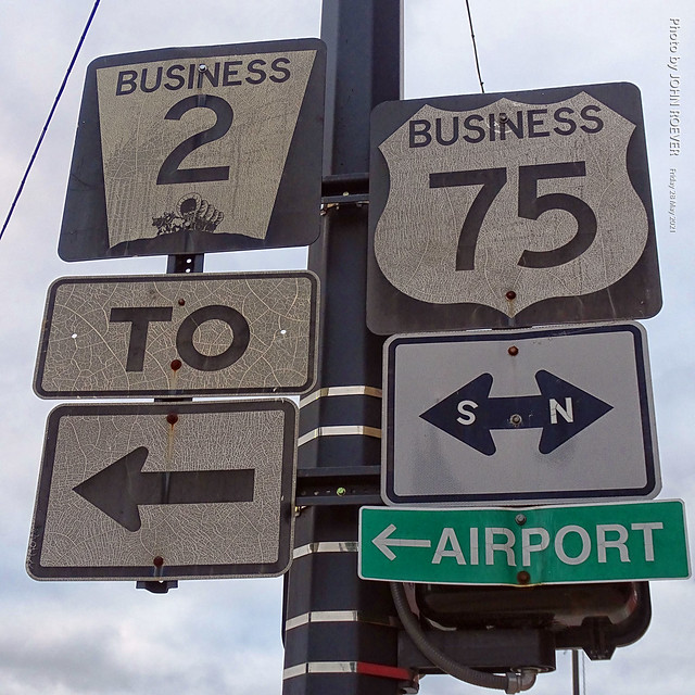 Shield signs for US-75 and NE-2 Business, 28 May 2021