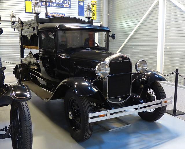 1931 Ford Model A Hearse black vr