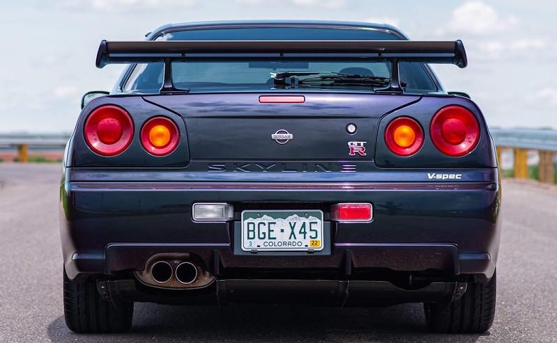 R34-Skyline-GT-R-1