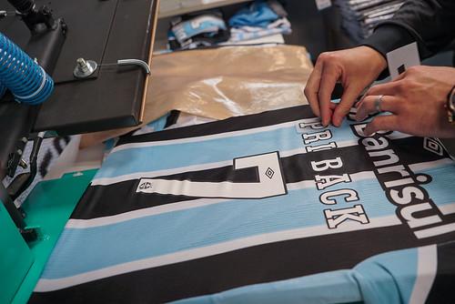 Gurias Gremistas - Numeração fixa e nomes personalizados nas camisas