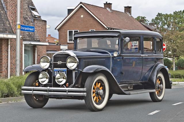 Buick Series 50 Sedan 1930 (2765)